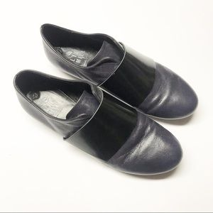 Lili Mill Navy Leather SlipOn Flats Crossover Band